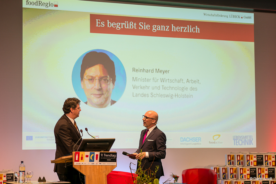 Moderation 9. Trendtag FoodRegio<br>Interview mit Wirtschaftsminister Reinhard Meyer