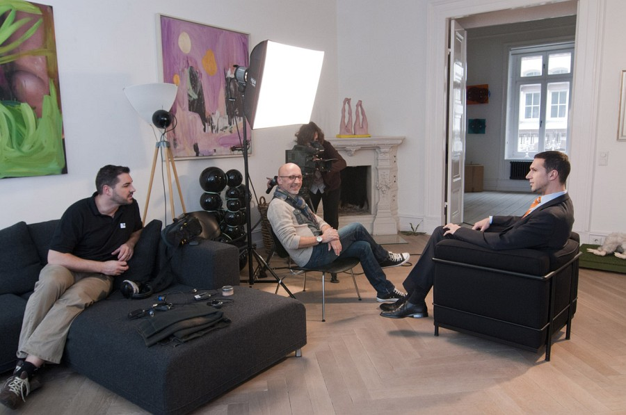 Intranet Schulungsfilme, Produktion im TV-Format<br>Kreatives Setting in der BN 24 Art Gallery in Hamburg